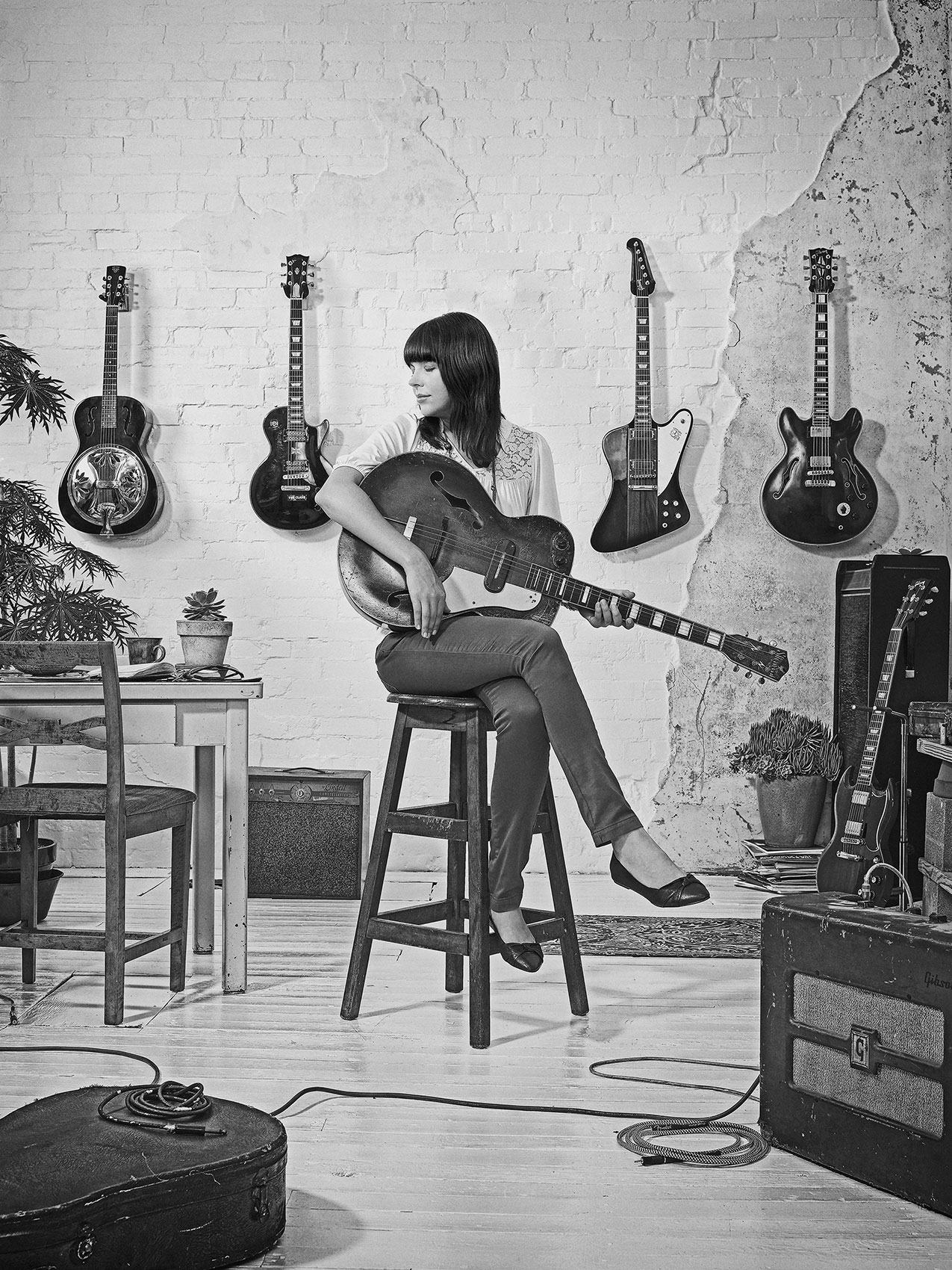 mother_dell_guitar_ford-bw-